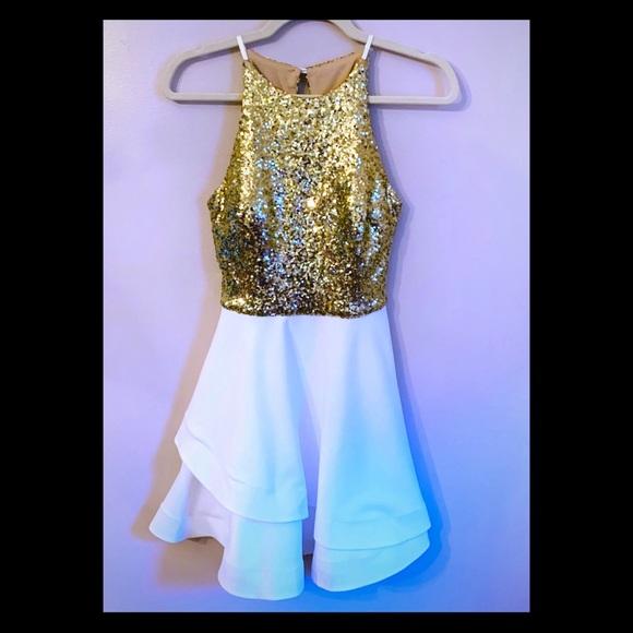 B Darlin Dresses & Skirts - NWOT! B. Darlin Gold & Ivory Halter Dress